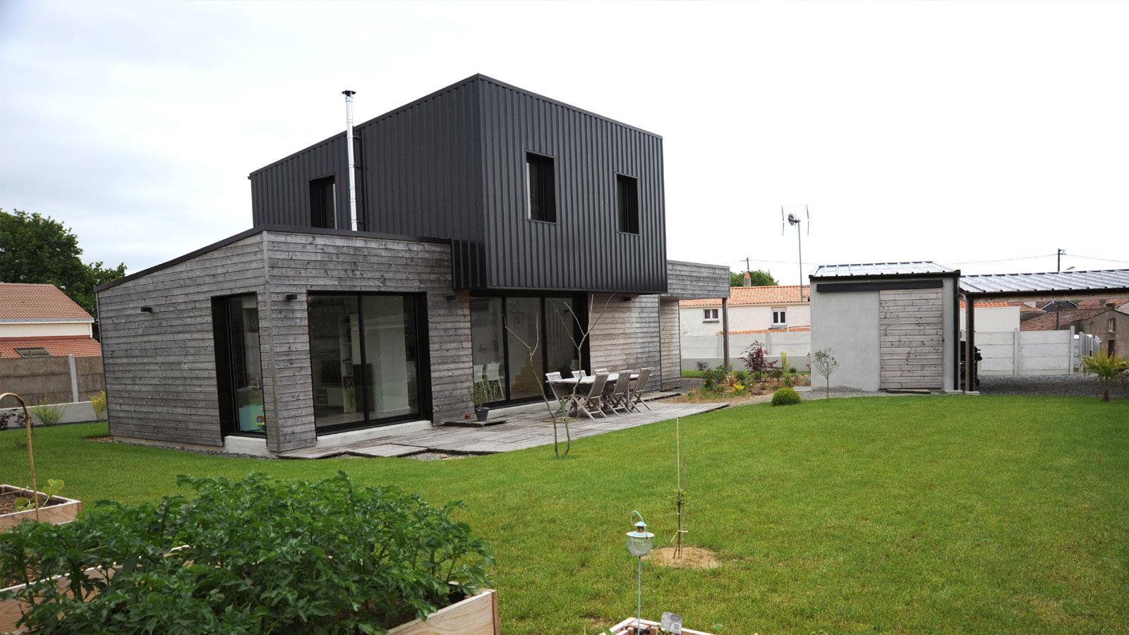 Construction d 39 une maison ossature bois saint andr de for Andre maurois la maison